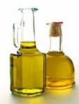 Des flacons d'huile d'olive